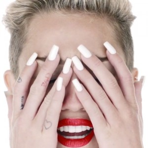 Miley Cyrus Nails - White